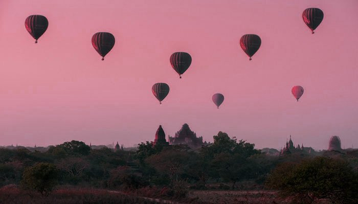 hot air balloons over Bagan, Myanmar qualities of a good photograph
