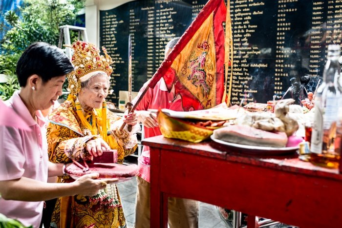 Tips For Travel Photography etiquette in Thailand. Temple Ceremony