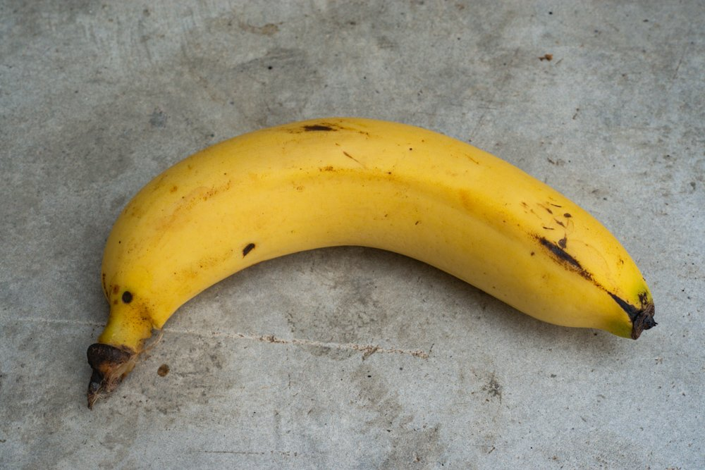 Banana used in an example of photographic exposure