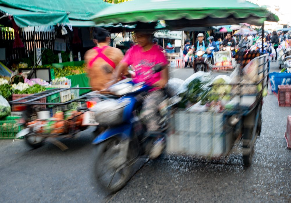 Motion Blur at the Market How To Overcome Unwanted Motion Blur in Your Photos